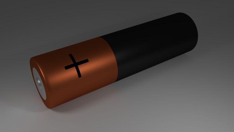 ドローンの動力源、リポバッテリーを知る
