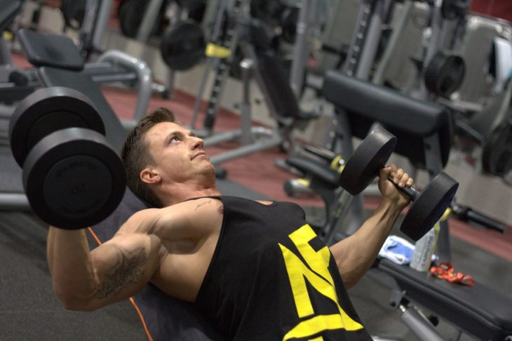 効率よく筋肉を付けるためになぜ太る必要があるのか|増量期と減量期